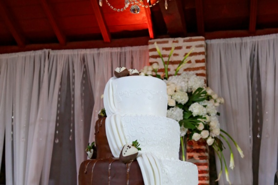 Modern Wedding Cakes Ideas to Fall in Love With By Leidis Leguia on Pagephilia